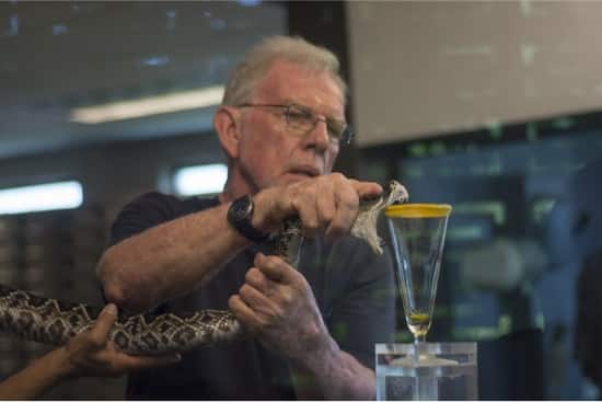 How much does a snake milker make a year?